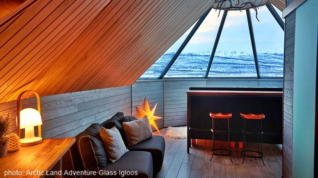 Glass igloo Finland | Northern Lights holiday | Finland-Holiday com